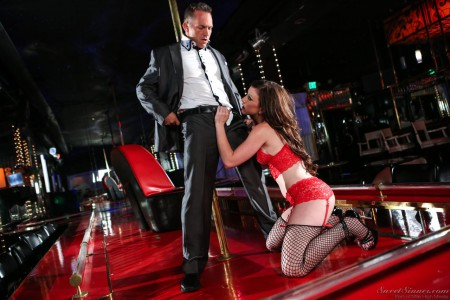 Brunette Stripper Jennifer White Gets Banged On Stage In Fis Xtapes 1